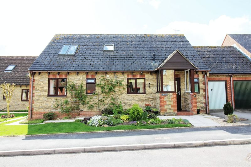 3 Bedrooms Detached Bungalow for sale in Glynsmead, Tatworth