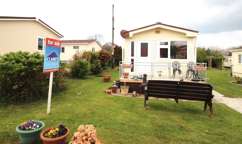 2 Bedrooms Detached Bungalow for sale in Sun Valley Park, ST COLUMB MAJOR