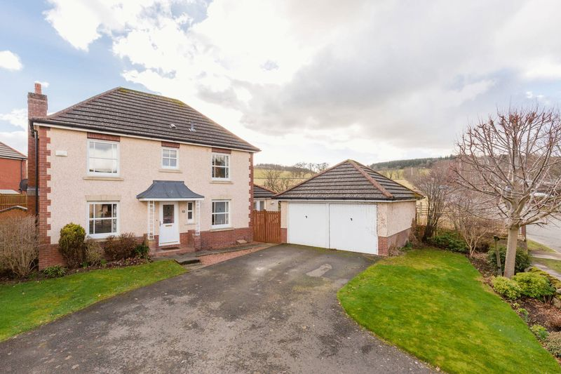 4 Bedrooms House for sale in 17 South Parks, Peebles, EH45 9SP