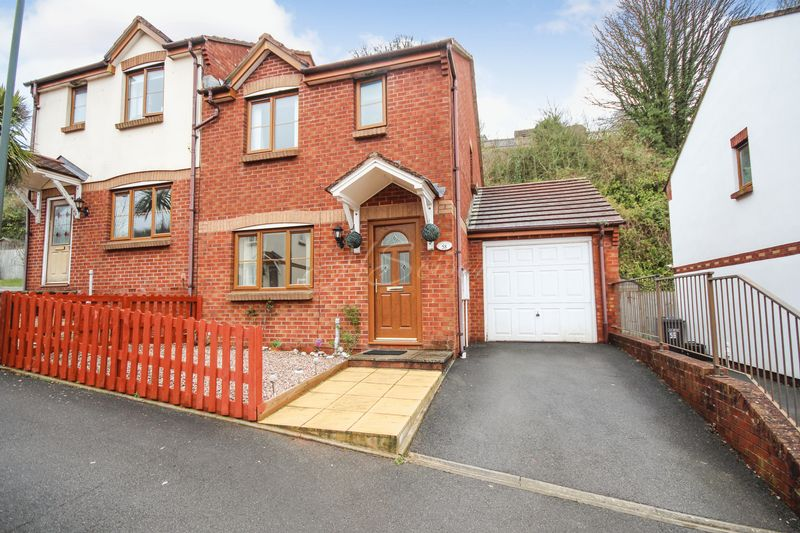3 Bedrooms Semi Detached House for sale in Windward Road, Torquay