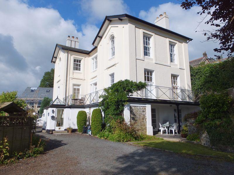 3 Bedrooms Flat for sale in Tavistock