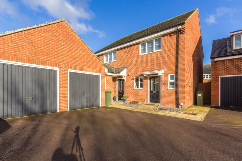 2 Bedrooms Semi Detached House for sale in Up Hatherley, Cheltenham