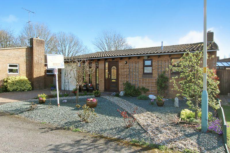 3 Bedrooms Detached Bungalow for sale in Apple Orchard, Prestbury, Cheltenham