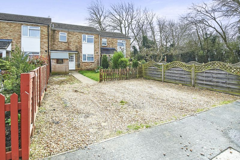3 Bedrooms House for sale in Lowndes Way, Buckingham MK18