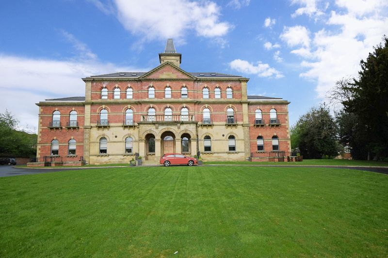 2 Bedrooms Flat for sale in 1 Middlewood Rise, Sheffield, South Yorkshire S6