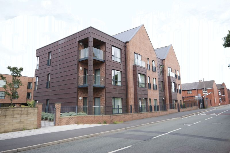 2 Bedrooms Flat for sale in Sturgess Street, Newton-Le-Willows