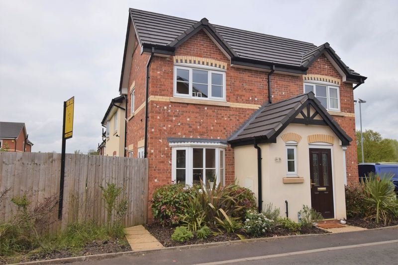3 Bedrooms Detached House for sale in Etherley Drive, Newton-Le-Willows