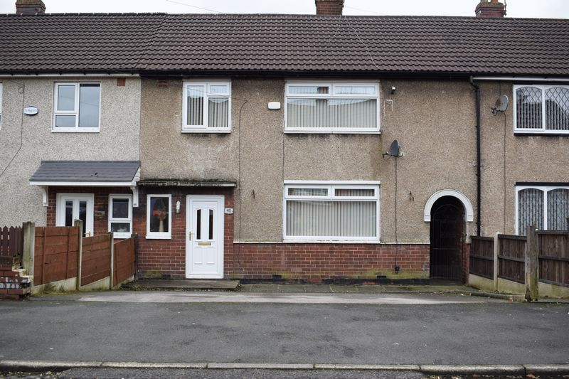 3 Bedrooms Semi Detached House for sale in Derwent Avenue, Heywood