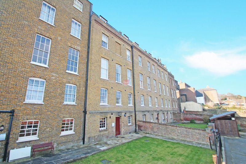 1 Bedroom Property for sale in Nags Head Lane, Rochester