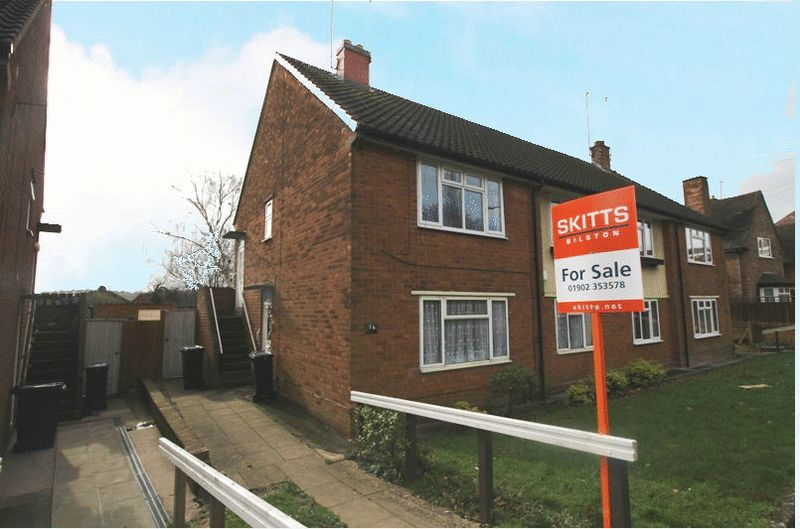 2 Bedrooms Flat for sale in Fountain Lane, Bilston