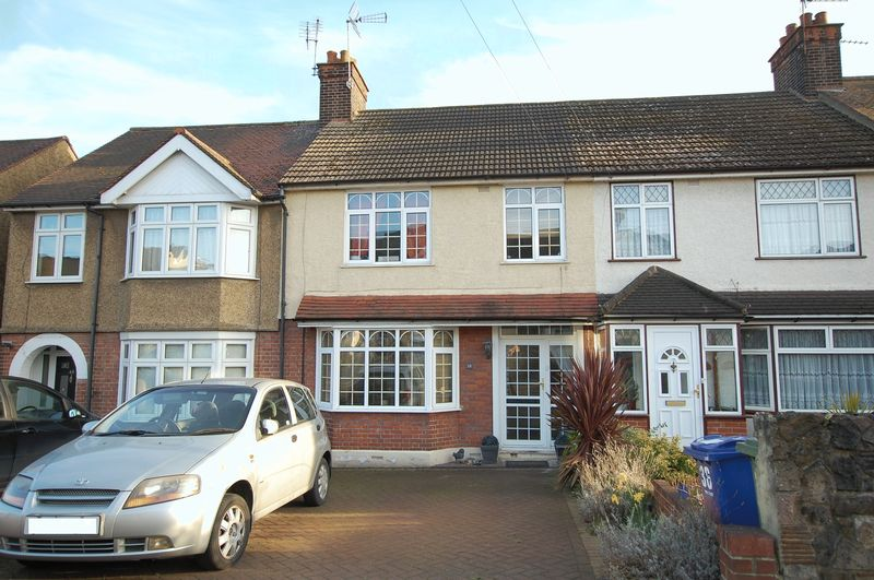 3 Bedrooms Terraced House for sale in Little Thurrock