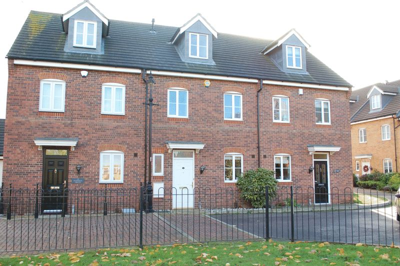 3 Bedrooms Terraced House for sale in Orsett