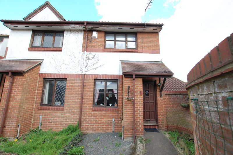 3 Bedrooms Semi Detached House for sale in Purfleet