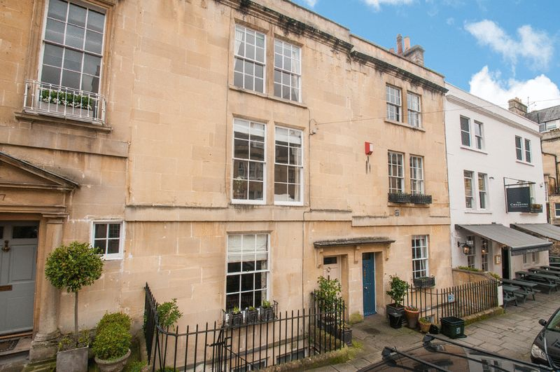 5 Bedrooms Terraced House for sale in 48 Rivers Street, Bath