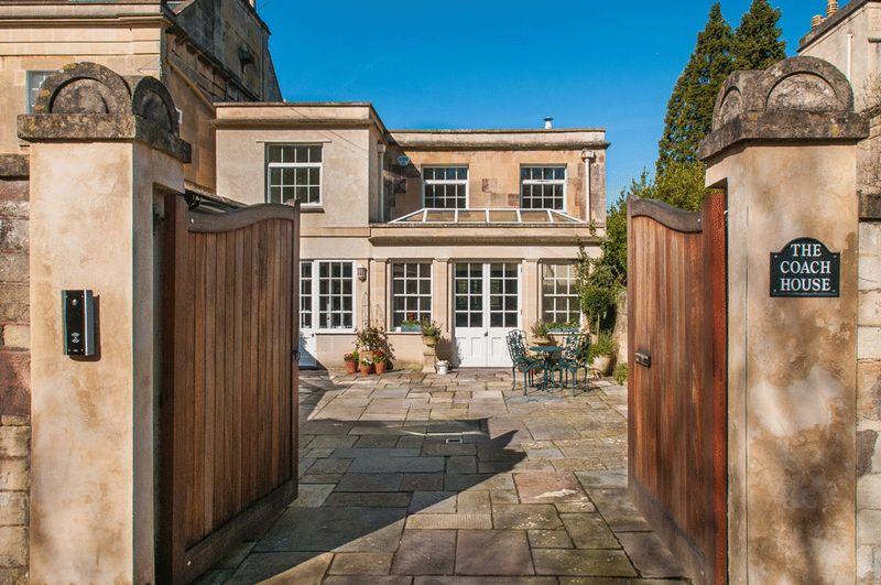 3 Bedrooms Detached House for sale in Bathampton Lane, Bathampton, Bath
