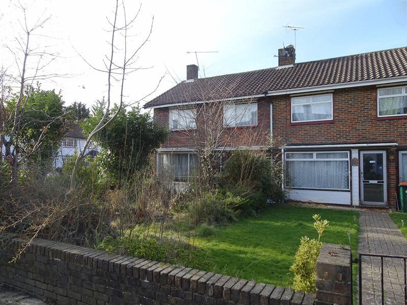 3 Bedrooms Terraced House for sale in Plover Close, Langley Green, CRAWLEY