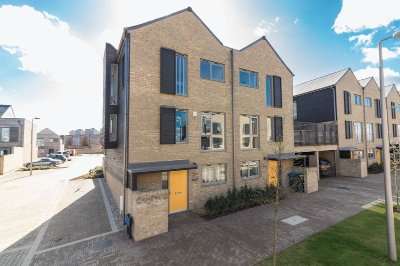 4 Bedrooms House for sale in High Chase, Harlow