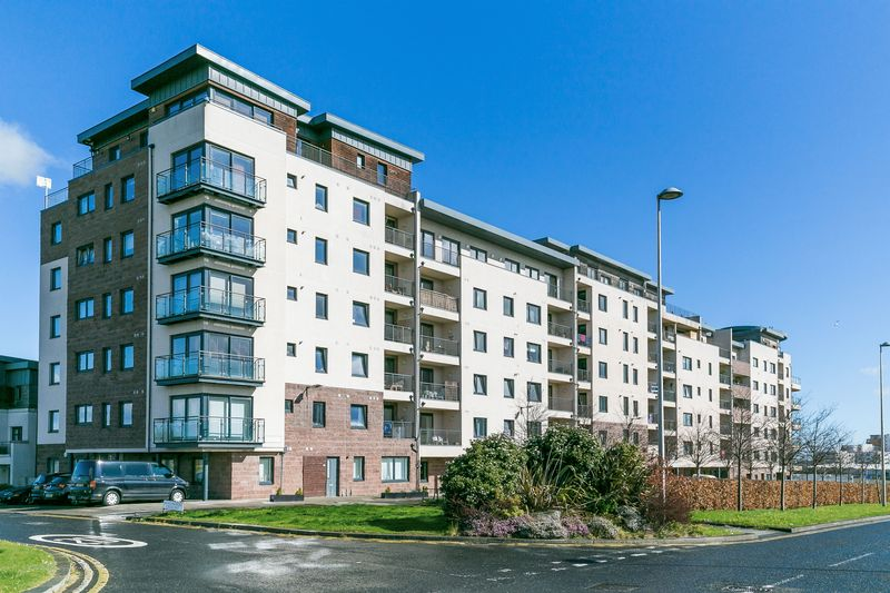 2 Bedrooms Flat for sale in Flat 4, 35 Waterfront Avenue, Granton, Edinburgh, EH5 1JD