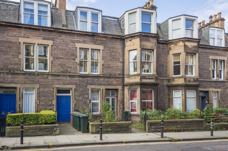 2 Bedrooms Flat for sale in 24/3 Shandon Place, Shandon, Edinburgh, EH11 1QL