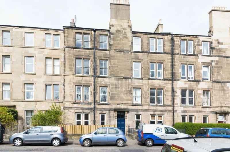 2 Bedrooms Flat for sale in 24/8 Balcarres Street, Morningside, Edinburgh EH10 5JD
