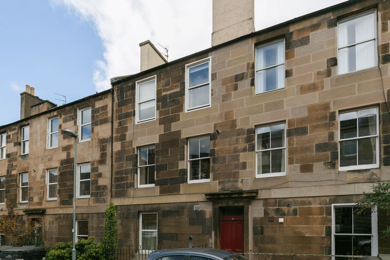 2 Bedrooms Flat for sale in 65/3 Prince Regent Street, Leith, Edinburgh, EH6 4AP