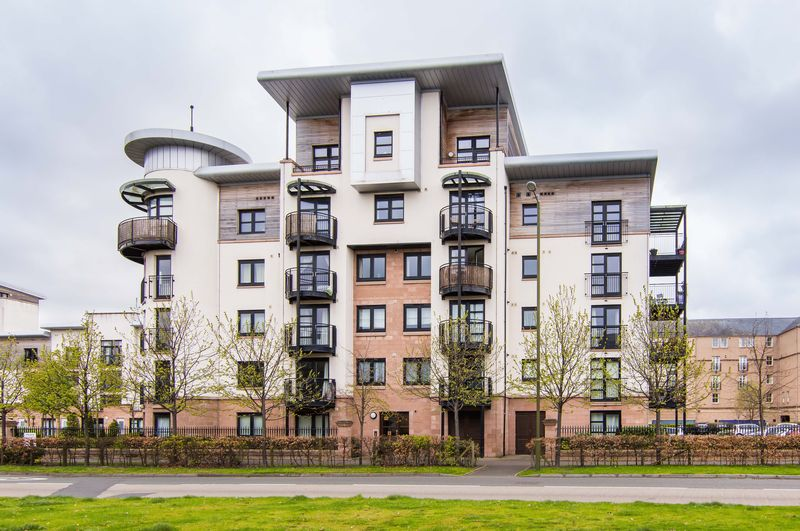 2 Bedrooms Flat for sale in 13/16 Constitution Place, The Shore, Edinburgh, EH6 7DL
