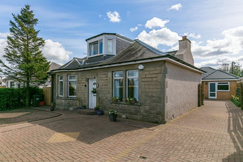 3 Bedrooms Detached House for sale in 141 Captains Road, Liberton, Edinburgh, EH17 8DY