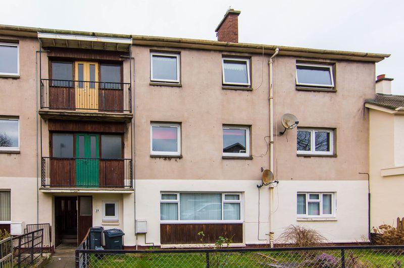 3 Bedrooms Flat for sale in 25/6 Durar Drive, Drum Brae, Edinburgh, EH4 7HW