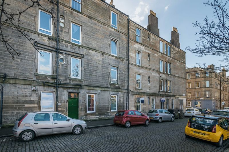 1 Bedroom Flat for sale in 9/2 Thorntree Street, Leith, Edinburgh, EH6 9PY