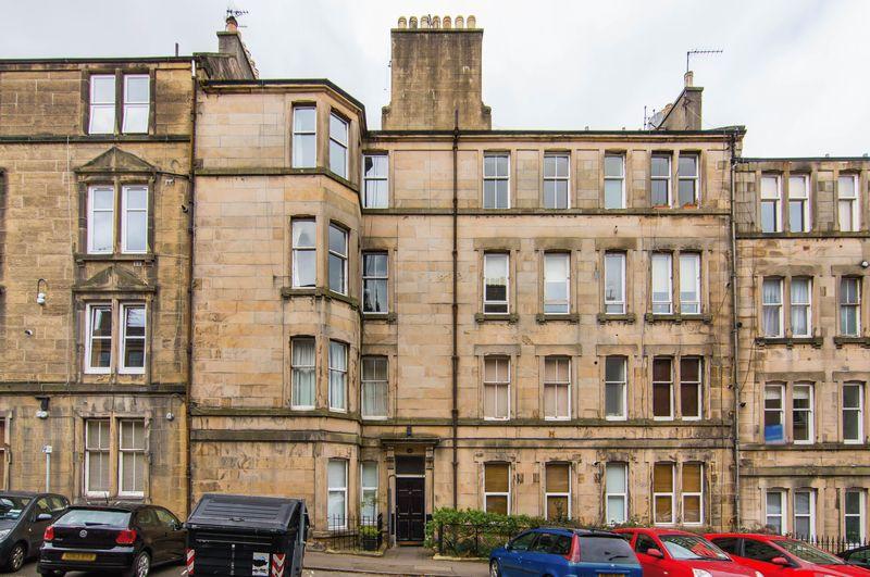 2 Bedrooms Flat for sale in Flat 2, 18 Dean Park Street, Stockbridge, Edinburgh, EH4 1JP