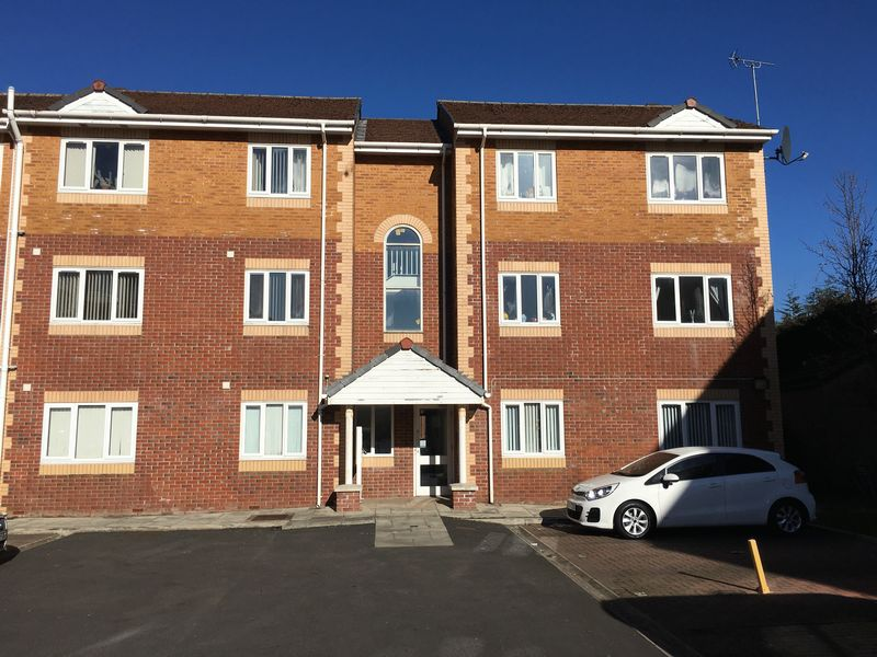 2 Bedrooms Flat for sale in Burscough, Ormskirk