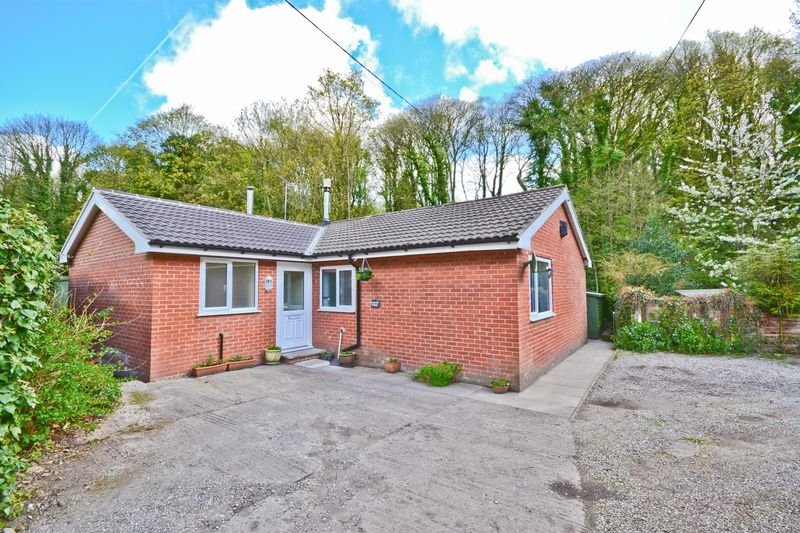 3 Bedrooms Detached Bungalow for sale in Vale Lane, Lathom, Ormskirk