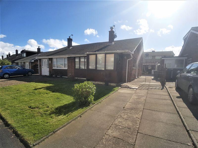 2 Bedrooms Semi Detached Bungalow for sale in Croft Avenue, Burscough, Ormskirk
