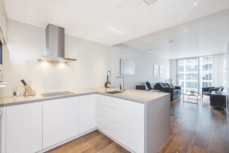 1 Bedroom Flat for sale in The Heron, London