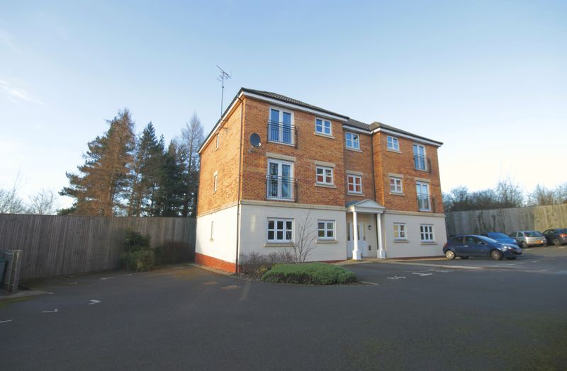 2 Bedrooms Flat for sale in HIGHFIELDS PARK DRIVE, DERBY
