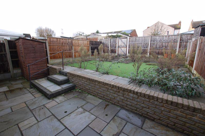 Essex Gardens Linford