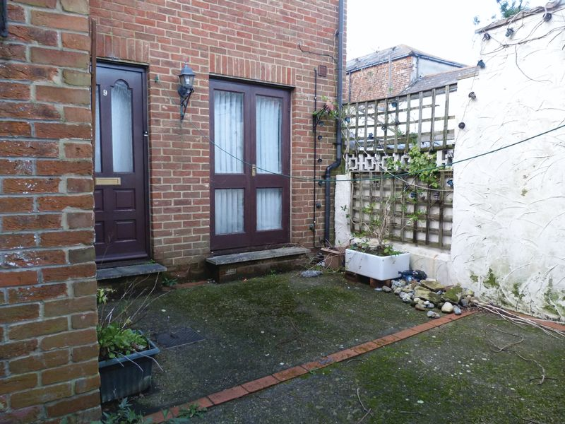 2 Bedrooms Terraced House for sale in Union Road, Ryde