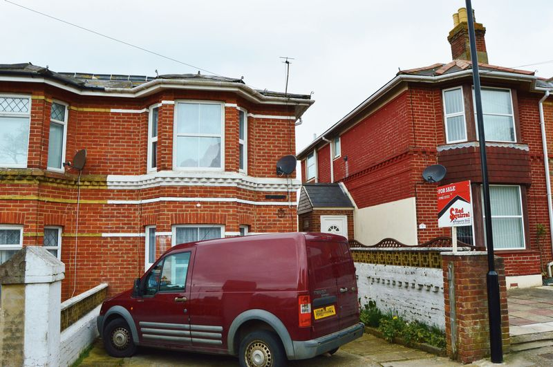 3 Bedrooms Semi Detached House for sale in Ranelagh Road, Sandown