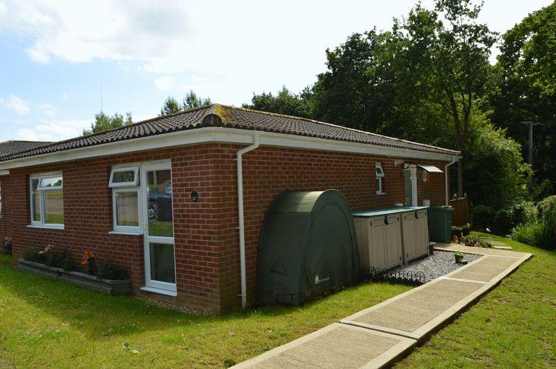 2 Bedrooms Semi Detached Bungalow for sale in Cockleton Lane, Gurnard Pines, Gurnard