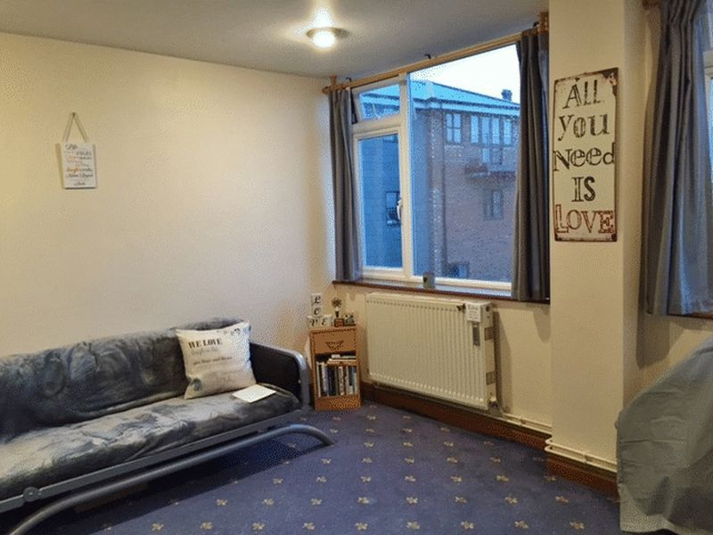 1 Bedroom Flat for sale in Union Road, Ryde