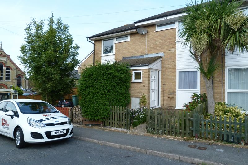 Upper Yarborough Road, East Cowes, PO32