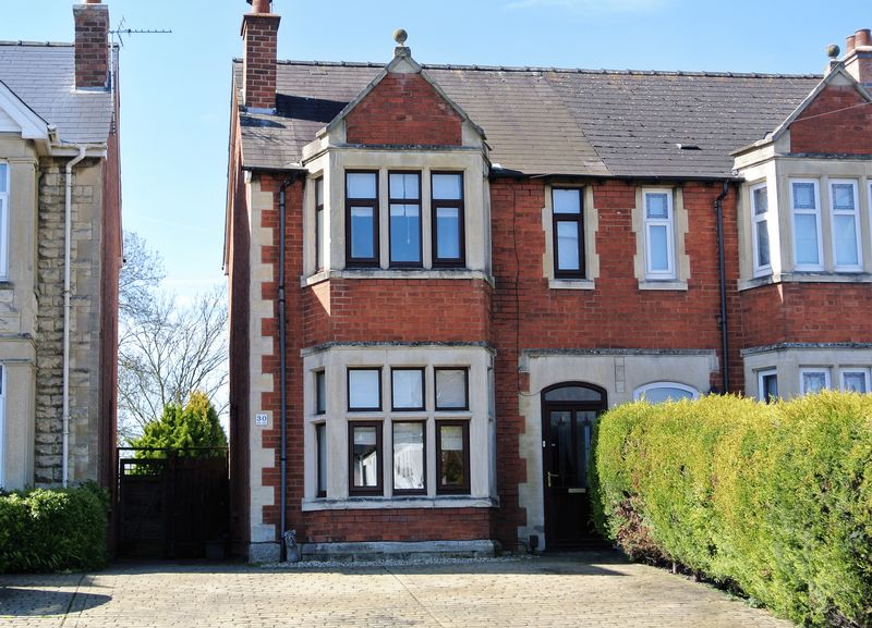 4 Bedrooms Semi Detached House for sale in Hucclecote Road, Hucclecote, Gloucester