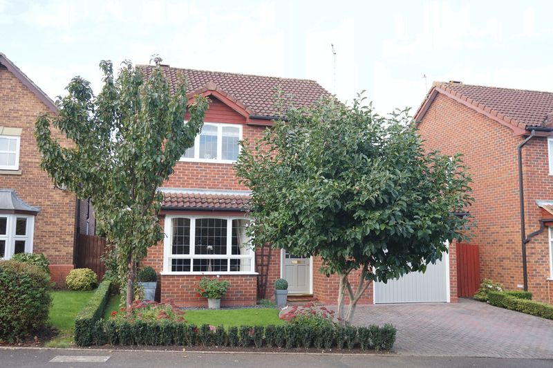3 Bedrooms Detached House for sale in Newstead Road, Barnwood, Gloucester
