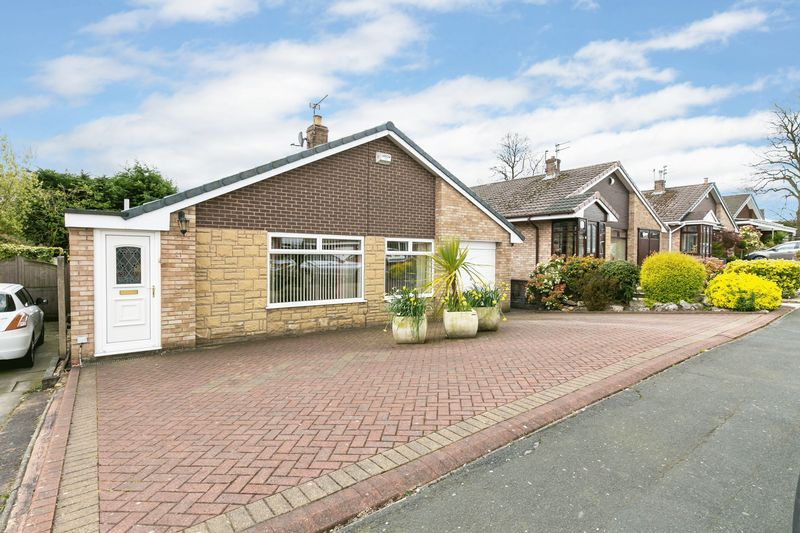 3 Bedrooms Detached Bungalow for sale in Alderton Drive, Ashton-In-Makerfield, WN4 9LG