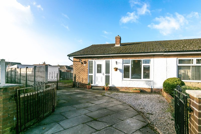 2 Bedrooms Semi Detached Bungalow for sale in Wall Street, Springfield, WN6 7NB