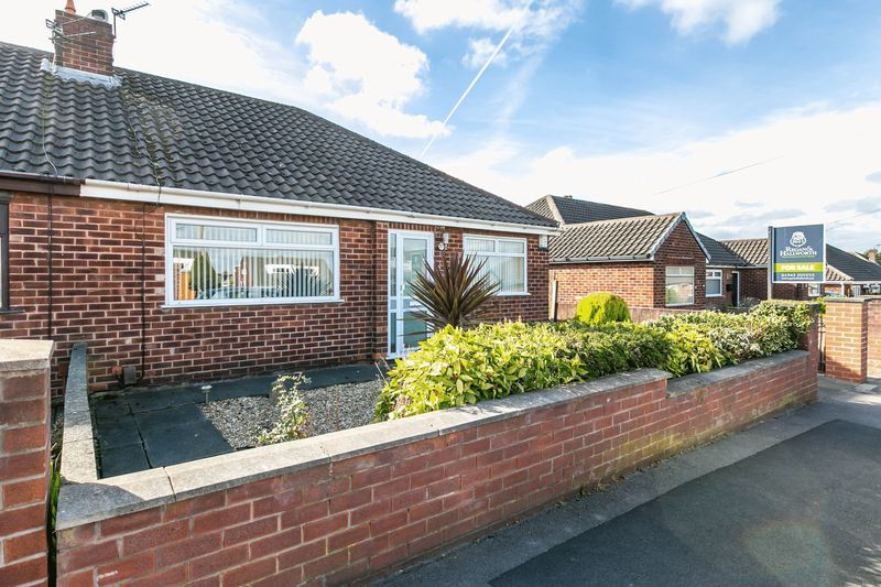 2 Bedrooms Semi Detached Bungalow for sale in Broxton Avenue, Orrell, WN5 8NP