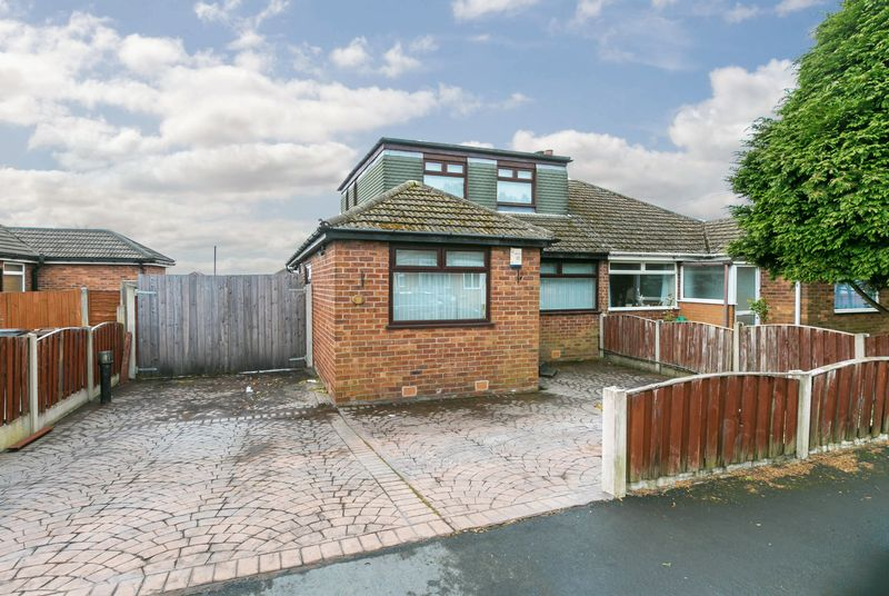 3 Bedrooms Semi Detached Bungalow for sale in Shildon Close, Whelley, WN2 1AN
