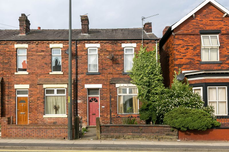 Warrington Road, Goose Green, WN3 6PB