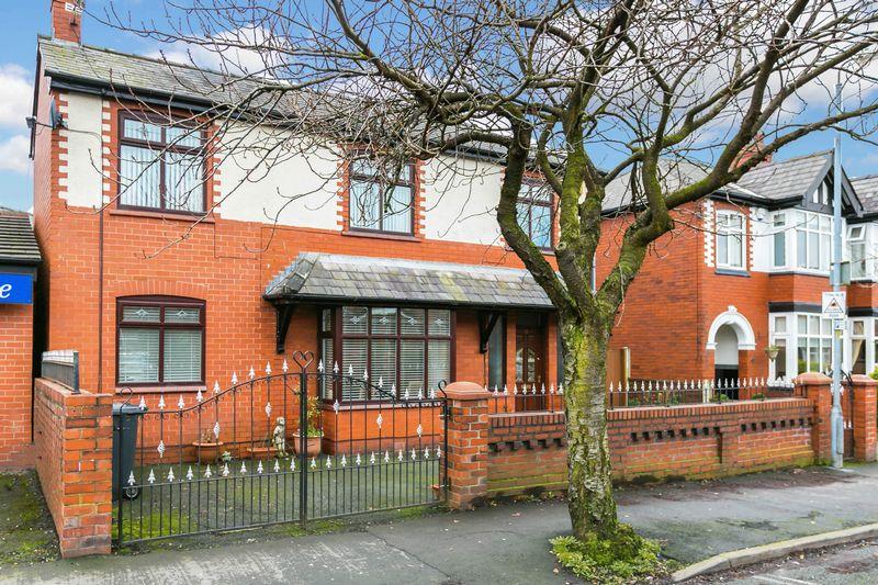 3 Bedrooms Detached House for sale in Swinley Lane, Swinley, WN1 2EB