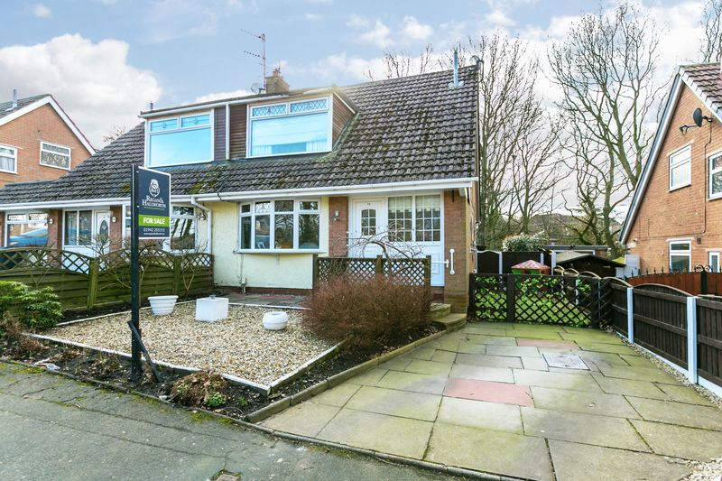 3 Bedrooms Semi Detached House for sale in Northwold Close, Winstanley, WN3 6HD